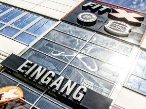 VALOGIS Immobilien AG, Immobilienmakler in Solingen, betreut die FitX Deutschland GmbH bei der Expansion neuer Flächen und Filialen in Deutschland